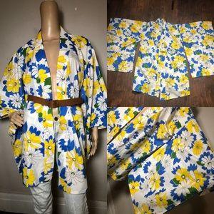 Vintage 60s 70s style floral print batwing kimono